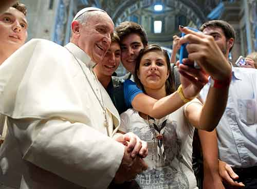 Pope's selfie