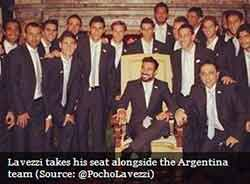 Lavezzi on Pope's chair