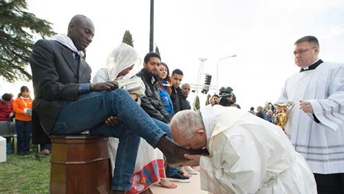 Pope Francis Illustrates Who Are God's People